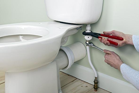 Comment réparer un WC qui fuit ?